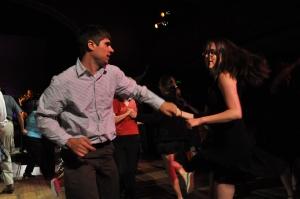 single people dancing